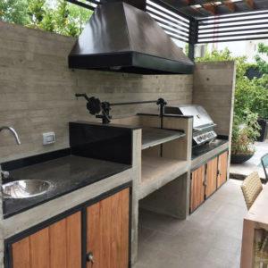 Летняя кухня с барбекю фото
