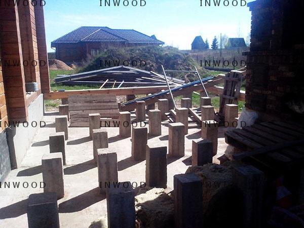 stolbiki pod terrasu foto