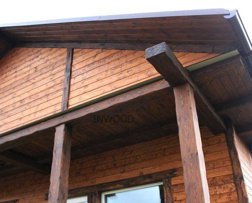 foto doma iz blokhausa i balki