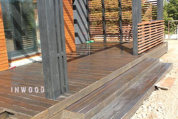 gotovaya terrasa iz dereva foto shubniki