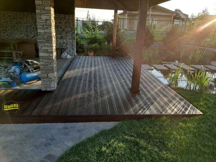 gotovaya terrasa uglovaya iz dereva foto