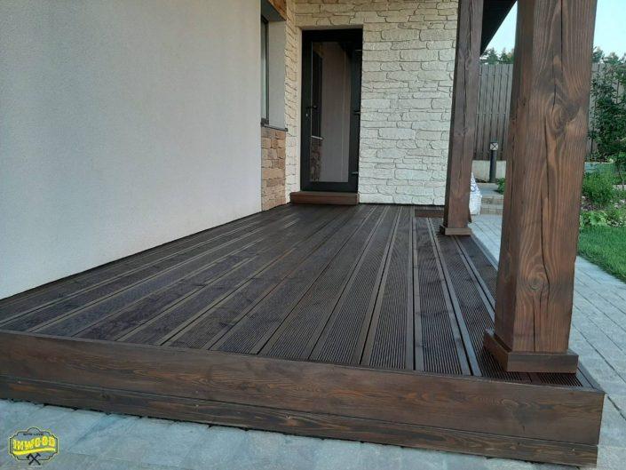 terrasa iz dereva skrutuy krepez foto