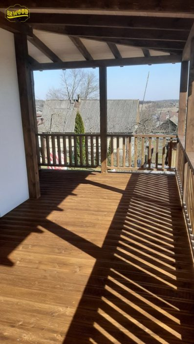 foto montaj terrasy s navesom i ograzjdeniem Lyahovshina
